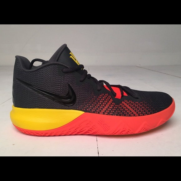 size 40 96fb5 b570d Nike Men s Kyrie Flytrap basketball Shoes AA7071